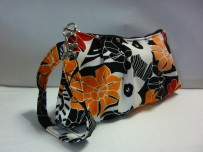 Pleated wristlet with swivel clasp (RM25)